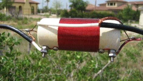 A Broadband 80/160 meter dipole