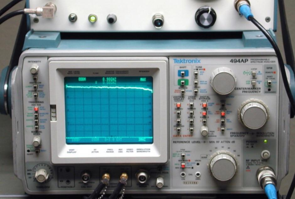 Tektronix Compatible Tracking Generator