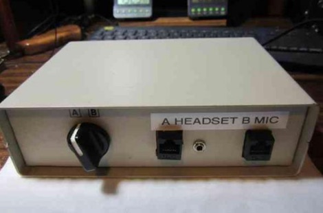 DXZone An Inexpensive Microphone Selector Switch