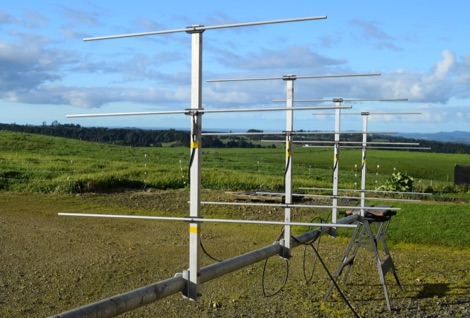 DXZone A stacked Yagi array for 2 meter