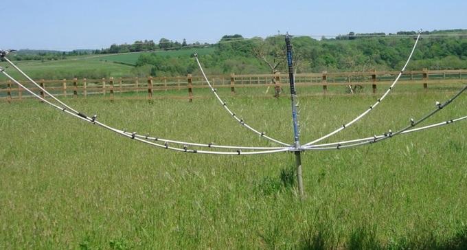 DXZone The Morse Sagas: Cobweb Antennas