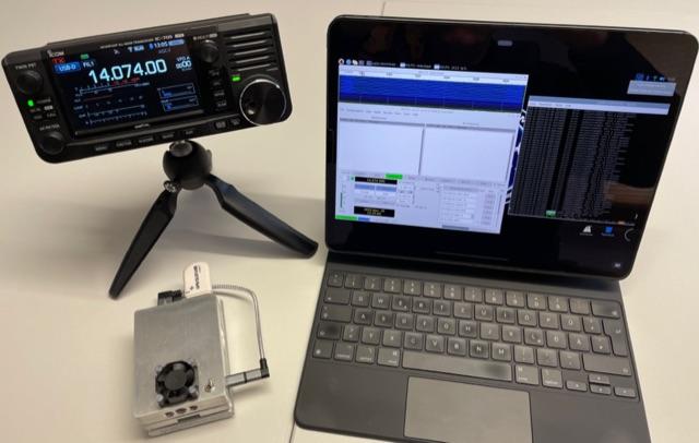 DXZone IC-705 completely cordless digital ham radio