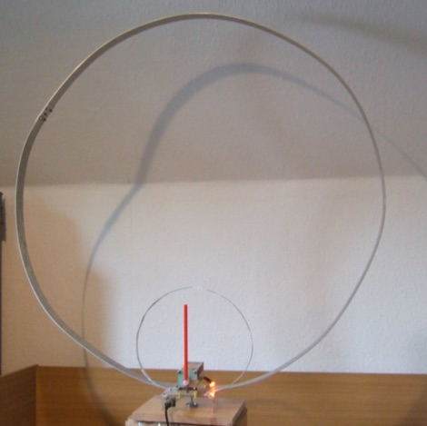 Indoor QRP HF Loop Antenna